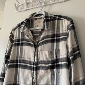 🌴 2/$30 American Eagle button down shirt